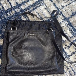 Authentic Gucci guccissima leather crossbody mail
